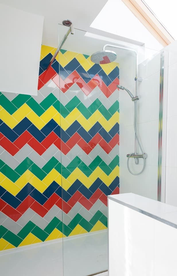 bathroom-colour
